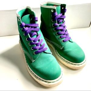 9.5 St. Patrick's Kelly Green Dr. Martens